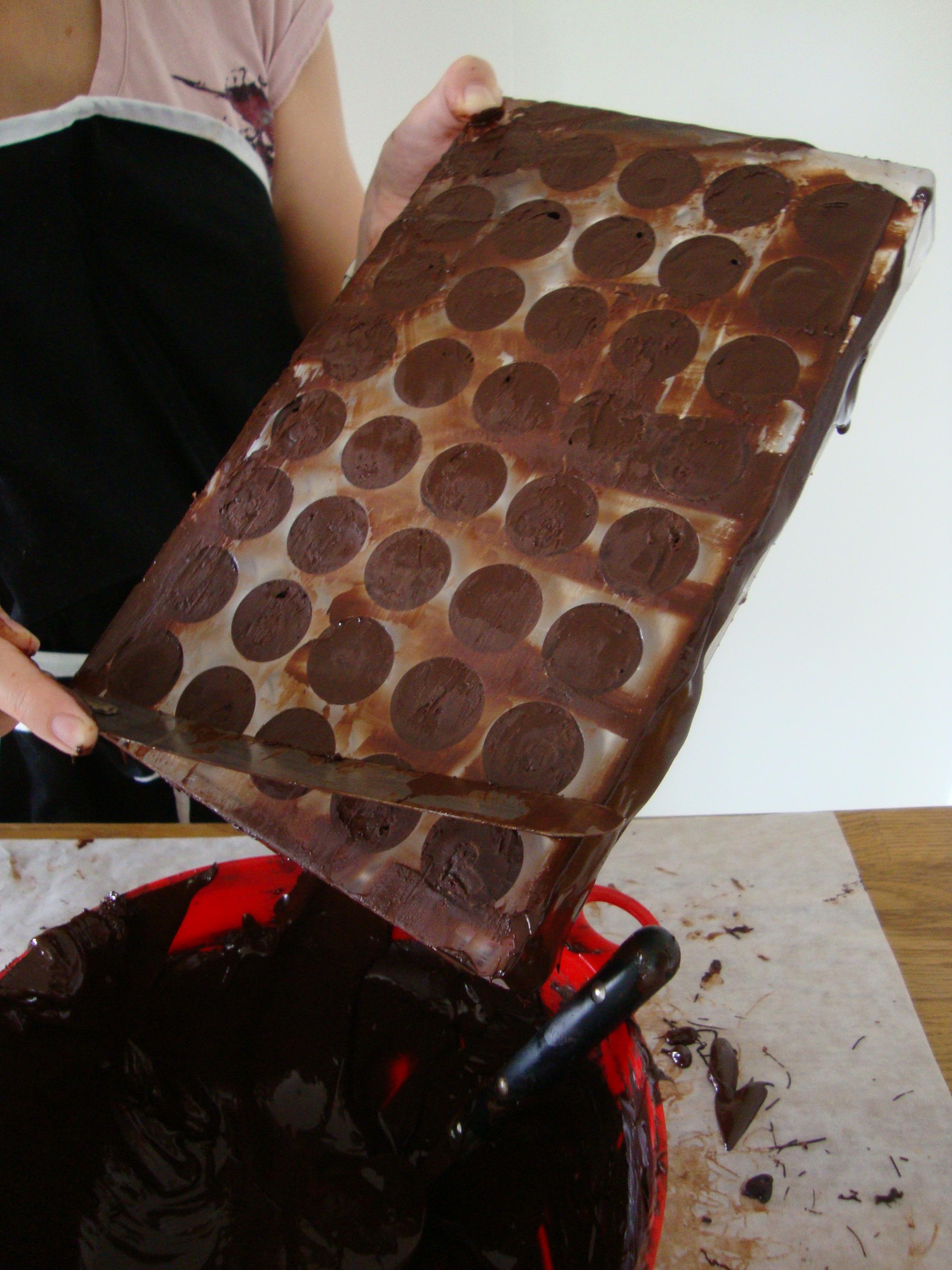 formar till chokladpraliner